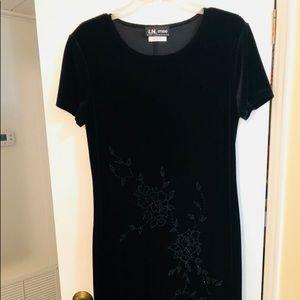 I. N. Studio Black velveteen holiday dress